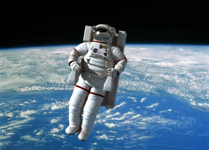 السير هذه المرة في الفضاء !