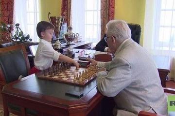 الشطرنج بالانتظار!!