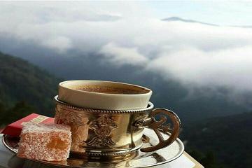 قهوةٌ فوق السحاب!